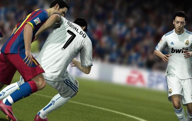 FIFA 12 trouxe novo sistema de colisão (Foto: Divulgação)