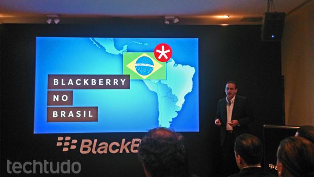 BlackBerry Z10 chega ao Brasil com foco no mercado corporativo (Foto: Allan Melo/TechTudo)
