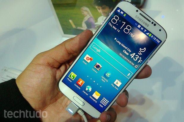 Usuários do Galaxy S4 da Samsung registram reclamações sobre o aparelho. (Foto: Reprodução / TechTudo)