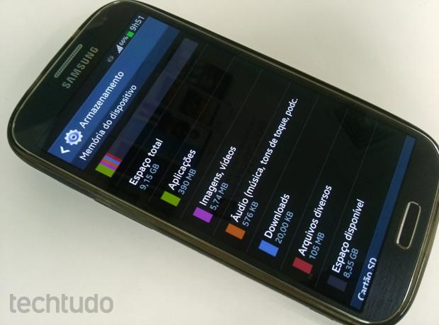 Galaxy S4 tem pouco mais da metade de armazenamento disponível para uso (Foto: Allan Melo/TechTudo)