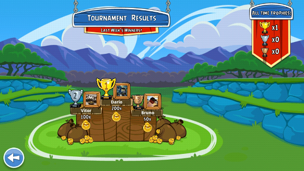 Vencer os amigos é o que importa em Angry Birds Friends (Foto: Reprodução / Dario Coutinho)