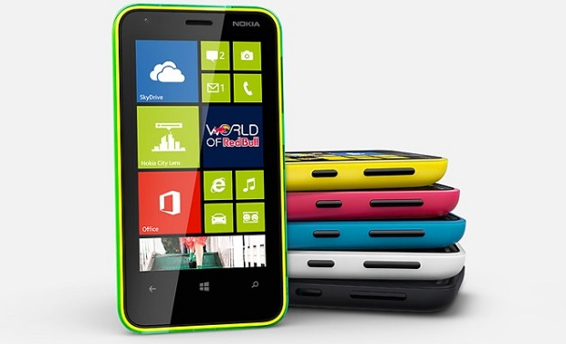 Lumia 620 está disponível em várias cores (Foto: Divulgação)