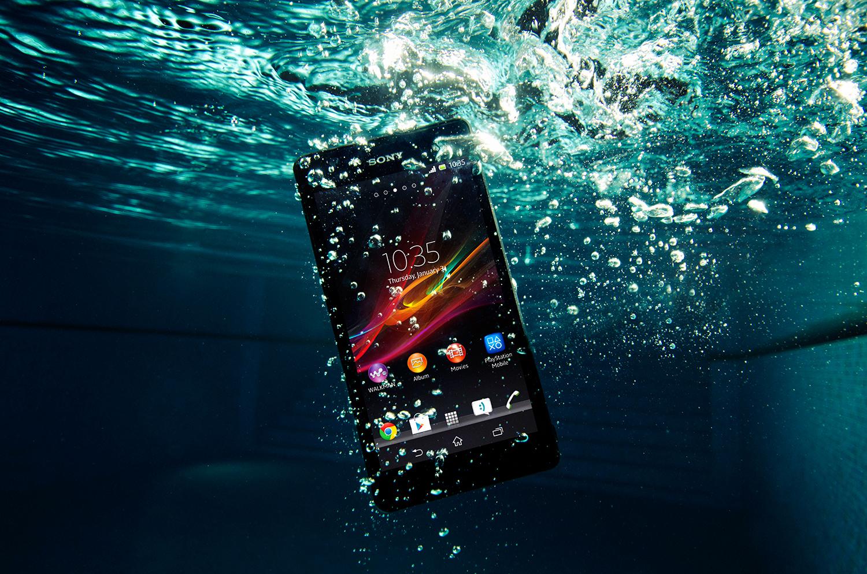 Sony anuncia Xperia ZR, novo smartphone à prova d'água e com quad-core. (Foto: Divulgação)