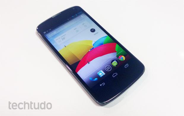 Nexus 4, o smartphone top de linha do Google (Foto: Isadora Díaz/TechTudo) (Foto: Nexus 4, o smartphone top de linha do Google (Foto: Isadora Díaz/TechTudo))