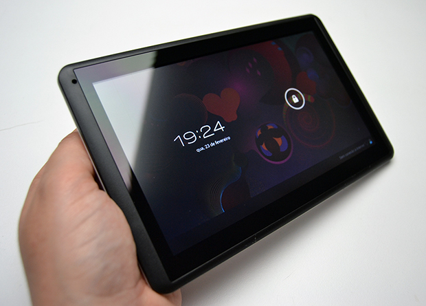 Tablet ICOO D70PROII e sua tela brilhante (Foto: Stella Dauer)