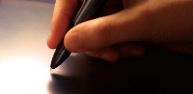 Imagem de caneta e mesa digitalizadora (Foto: Reprodução)