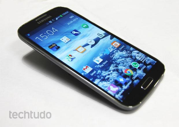 Samsung Galaxy S4 visto de frente (Foto: Isadora Díaz/TechTudo)