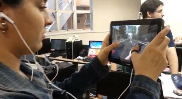 Shooter funcionando em um tablet: Jogador tem que se virar para matar os zumbis (Foto: Divulgação)