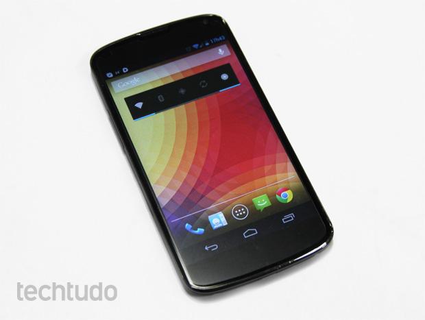 LG Nexus 4 visto de frente (Foto: Isadora Díaz/TechTudo)
