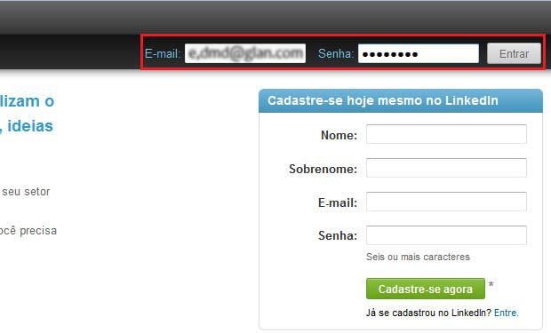 Acessando a conta no LinkedIn (Foto: Reprodução/Edivaldo Brito)