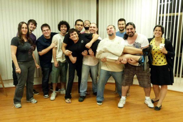 A equipe que criou DungeonLand. Marcus Venturelli é o terceiro à esquerda (Foto: Divulgação)