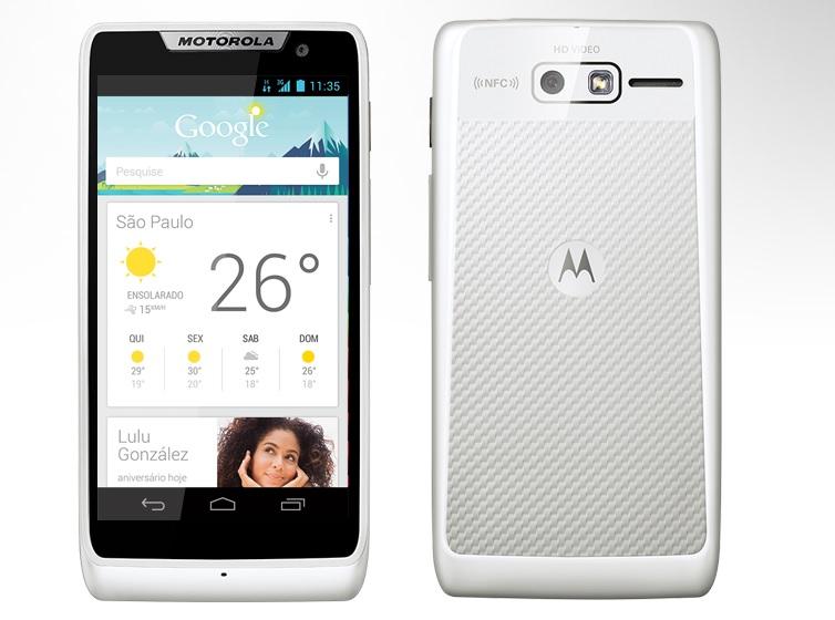 O Motorola Razr D3 tem preço mais acessível e ótimas configurações (Foto: Divulgação/Motorola)
