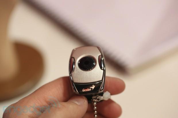 Grande destaque entre a nova linha Genius são os mouses anéis (Foto: Reprodução/Engadget)