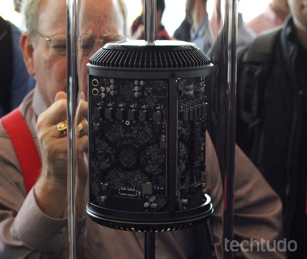Mac Pro jtem um visual bastante diferente (Foto: Fabrício Vitorino)