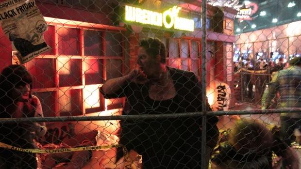 Atores interpretavam zumbis no estande da Capcom para promover Dead Rising 3 (Foto: Léo Torres / TechTudo)