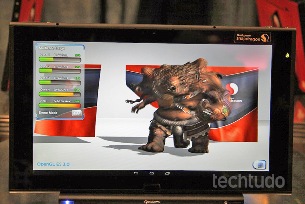 Demonstração de processamento com o novo Qualcomm Snapdragon 800 (Foto: Fabrício Vitorino / TechTudo)