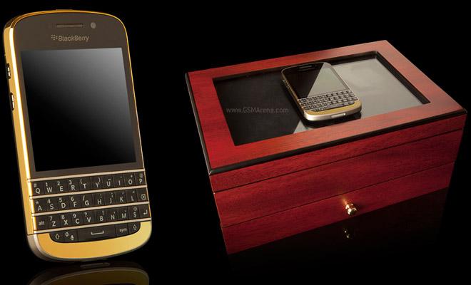 BlackBerry Q10 luxuoso traz novo sistema operacional e corpo em ouro 24k (Foto: Divulgação)