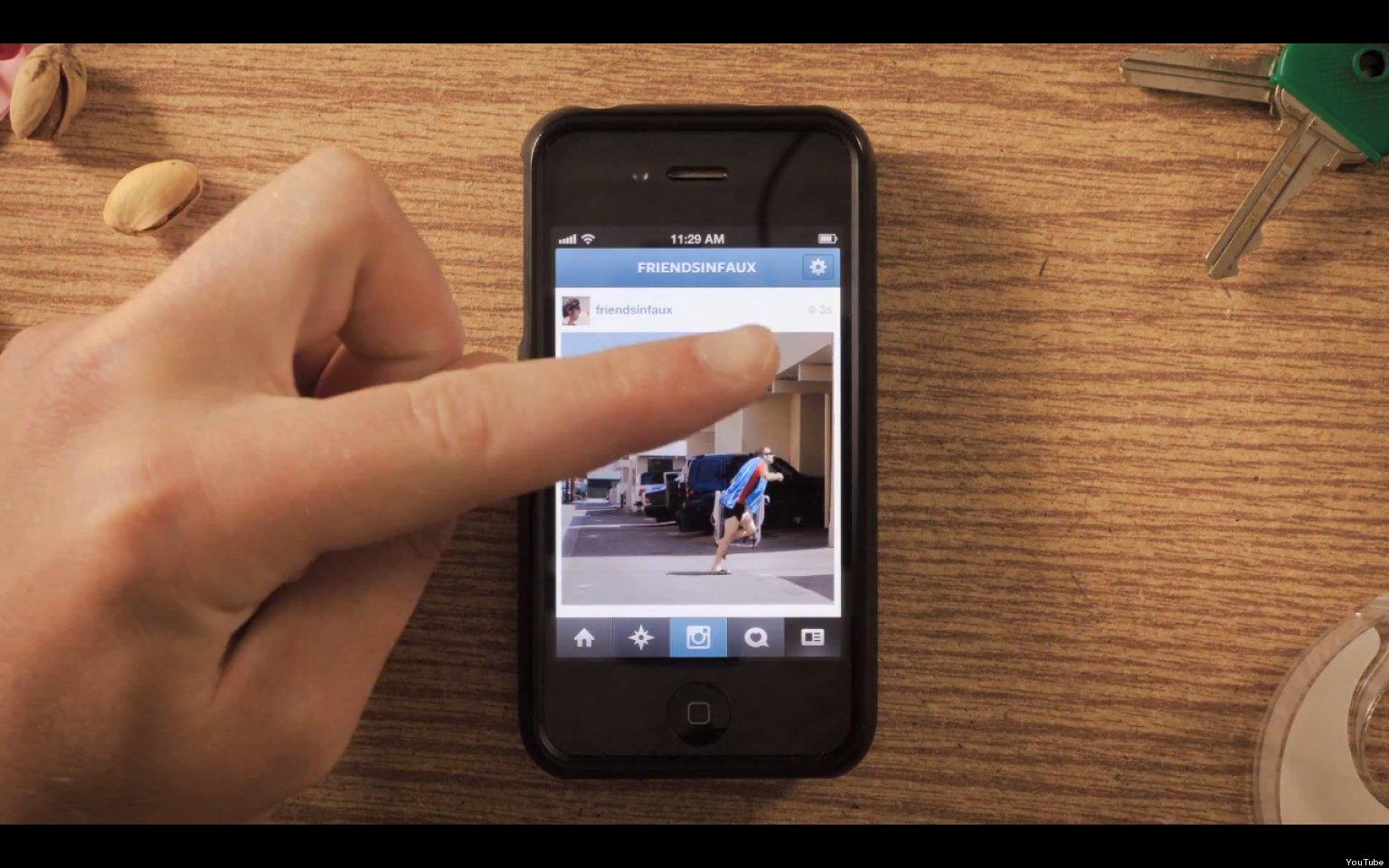 """""""Instagramimation"""" é um stop motion criado pelos rapazes do Friends in Faux utilizando imagens da rede social. (Foto: Reprodução / YouTube)"""