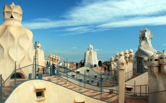 Casa de Milàn, uma importante obra de Antoni Gaudí (Foto: Reprodução/Gwarlingo)
