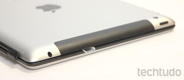Fechado, o teclado da Logitech transforma o iPad em um ultrabook (Foto: Allan Melo / TechTudo)