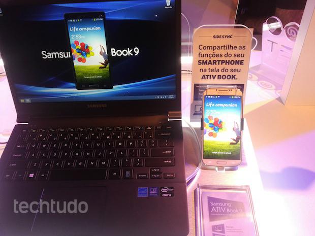Samsung Ativ Book 9 com função SideSync (Foto: Divulgação)