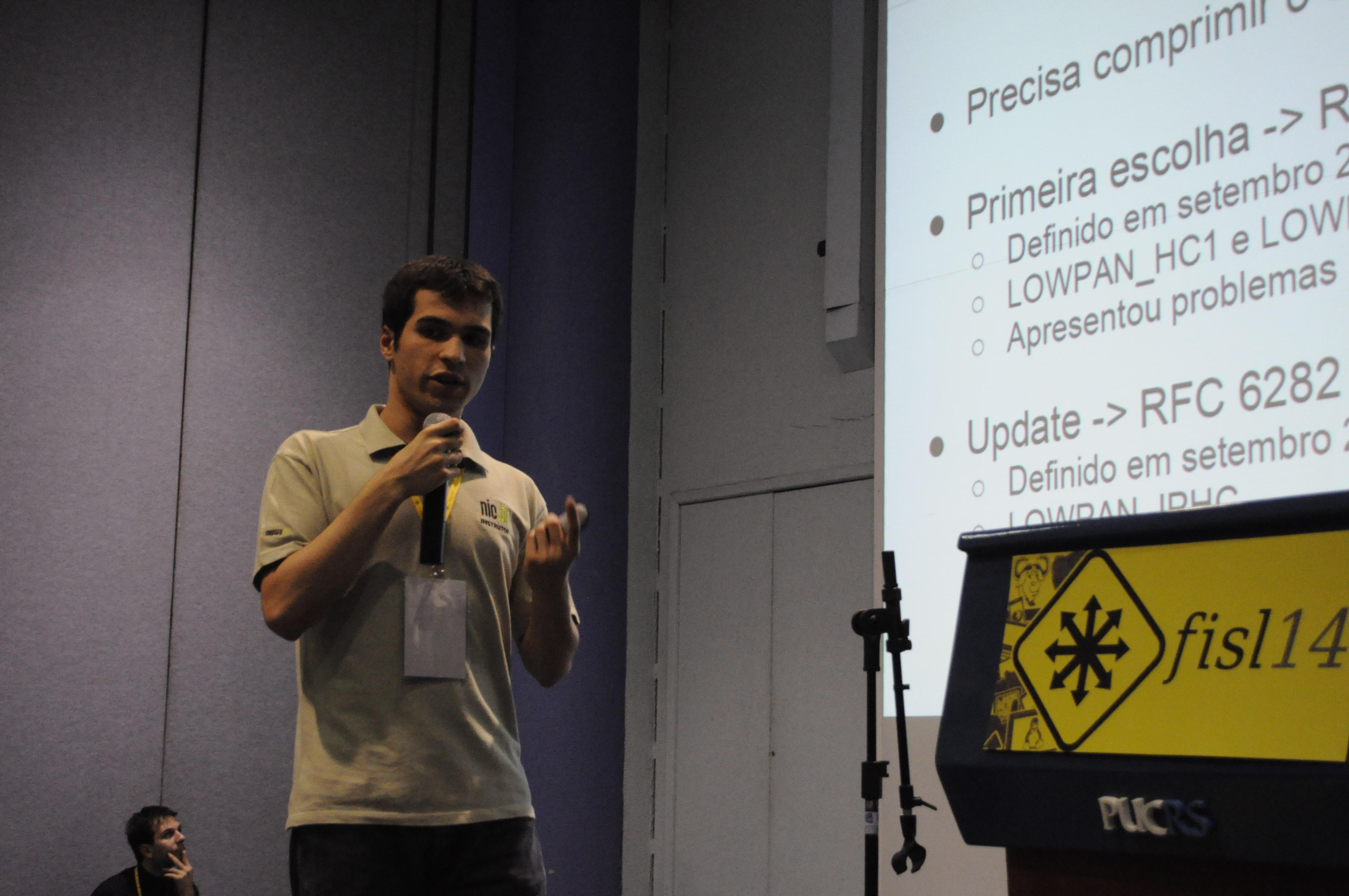 Palestrante fala sobre a Internet das Coisas no 14º Fisl (Foto: Giordano Tronco/Techtudo)