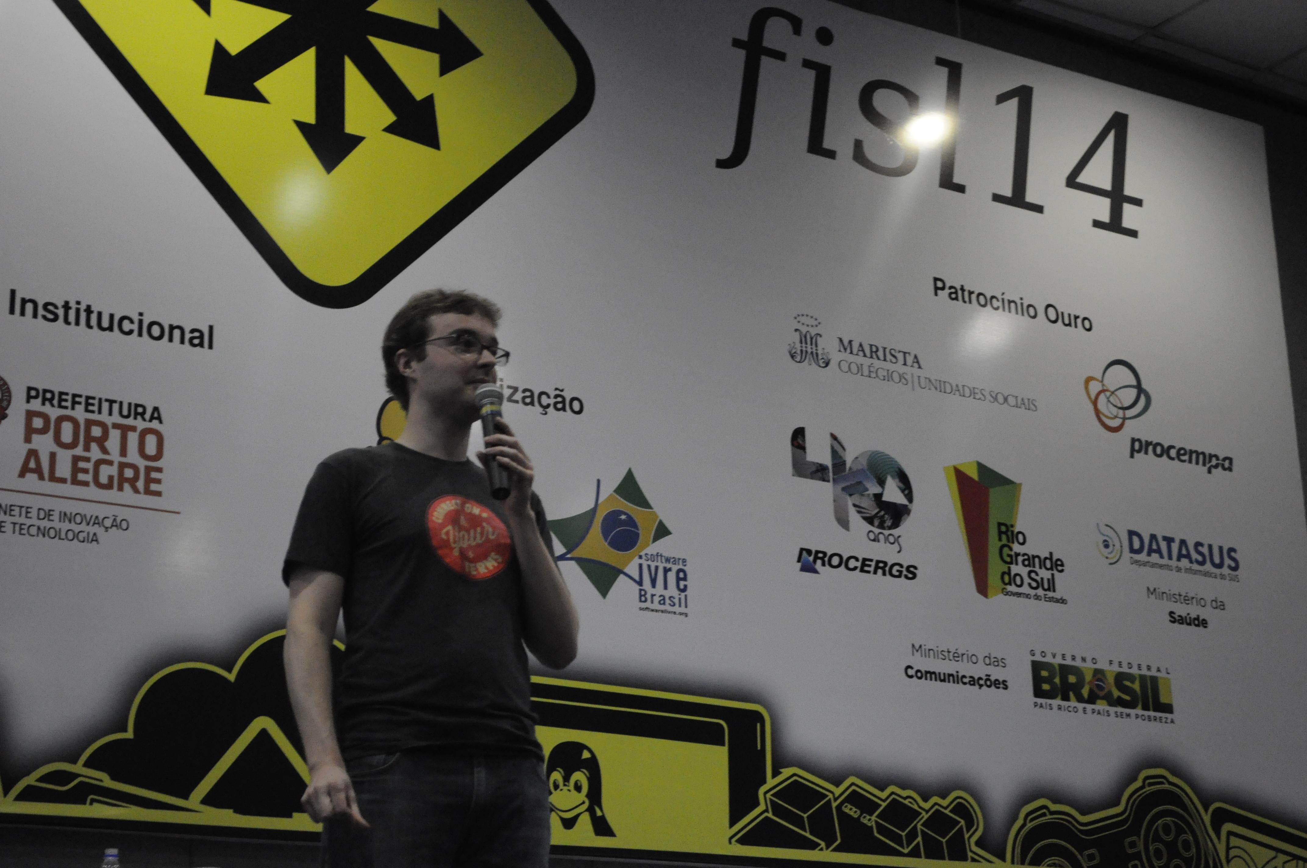 François apresenta o Mozilla Persona ao público do 14º Fisl (Foto: Giordano Tronco/Techtudo)