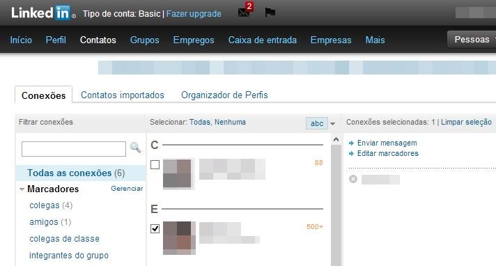 Adicionando uma pessoa a nova lista de contatos do LinkedIn (Foto: Reprodução/Carolina Ribeiro)