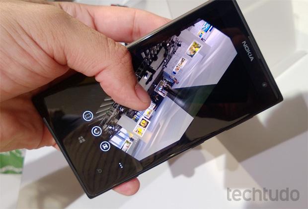 Edição de fotos no Lumia 1020 (Foto: Allan Melo/TechTudo)