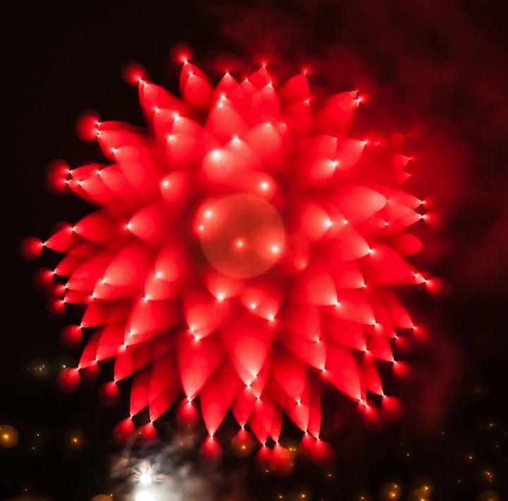 Algumas imagens formadas lembram flores desabrochando ou um grupo de balões no céu (Foto: Divulgação/ Alan Sailer) (Foto: Algumas imagens formadas lembram flores desabrochando ou um grupo de balões no céu (Foto: Divulgação/ Alan Sailer))
