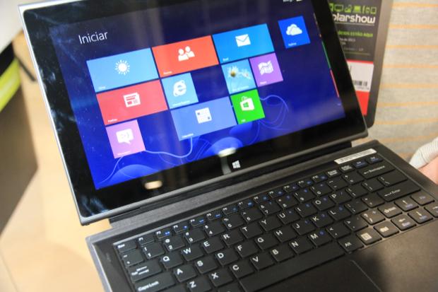 Híbrido da Megaware que vira tablet sem teclado chegará até o final do ano (Foto: TechTudo/Rodrigo Bastos)