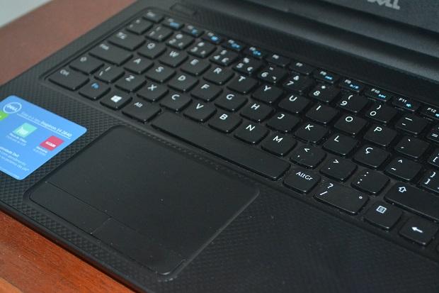 Touchpad é grande e teclado é bem sensível (Foto: Reprodução/Thiago Barros)