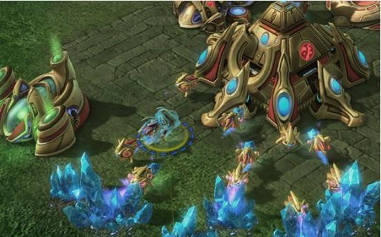 Scouting consiste em revelar áreas ocultas no mapa para saber o que seu oponente está fazendo - StarCraft 2 (Foto: Tofugu.com)