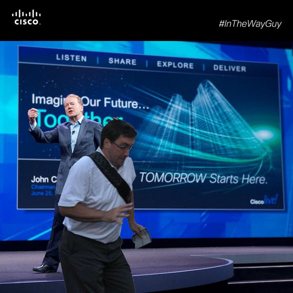 """Empresa Cisco imitando o meme """"cara no meio do caminho"""" (Foto: Reprodução/Business Insider)"""