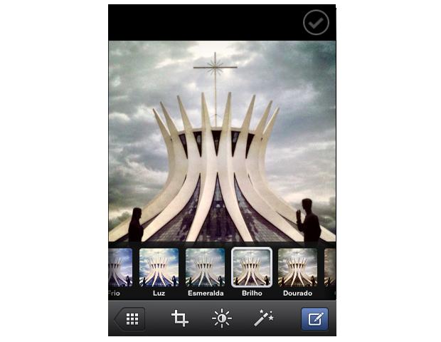 Adicionando filtros a foto no Facebook messenger (Foto: Reprodução/Marvin Costa)
