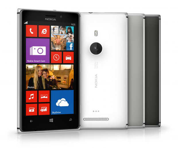 Nokia Lumia 925 mantém a câmera PureView do 920, mas traz corpo em alumínio (Foto: Divulgação)