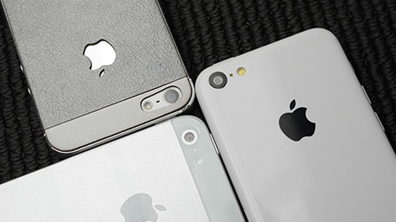 Encontro de gerações: iPhone 5, iPhone 5S e iPhone 5C (Foto:Reprodução/Slashgear) (Foto: Encontro de gerações: iPhone 5, iPhone 5S e iPhone 5C (Foto:Reprodução/Slashgear))