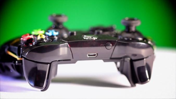 O controle do Xbox One teve seu sistema de fios refeito do zero (Foto: Reprodução / Murilo Molina)