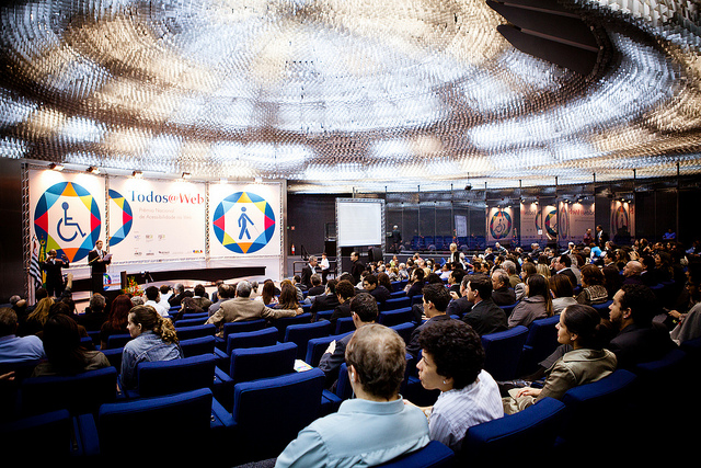 A primeira edição do Todos@web, em 2012, recebeu inúmeros visitantes e projetos (Foto: NIC)