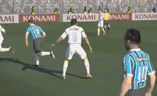 Jogadores do Grêmio jogando contra o Santos no PES 2014 (Foto: Reprodução/YouTube)