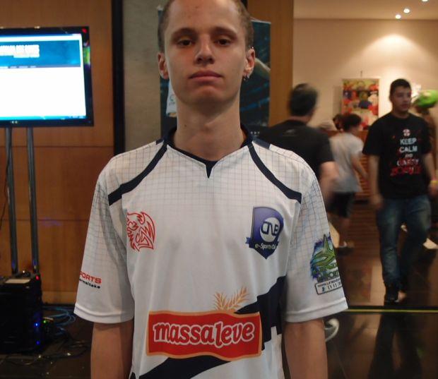 "Eric ""Chu Chu"" Moreira Silva: Ganhou três videogames na Batalha dos Games (Foto: Pedro Zambarda/TechTudo)"