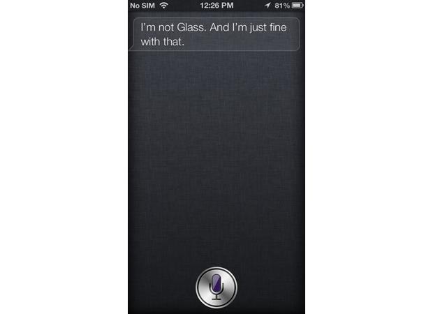 Assistente do iOS não reage bem ao ser comparado com o rival Google Glass (foto: Reprodução/The Verge)
