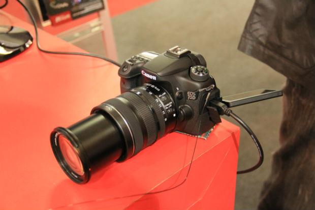 A Canon EOS 70D promete mudar a forma como as pessoas lidam com filmagens em câmeras fotográficas (Foto: TechTudo/Renato Bazan)