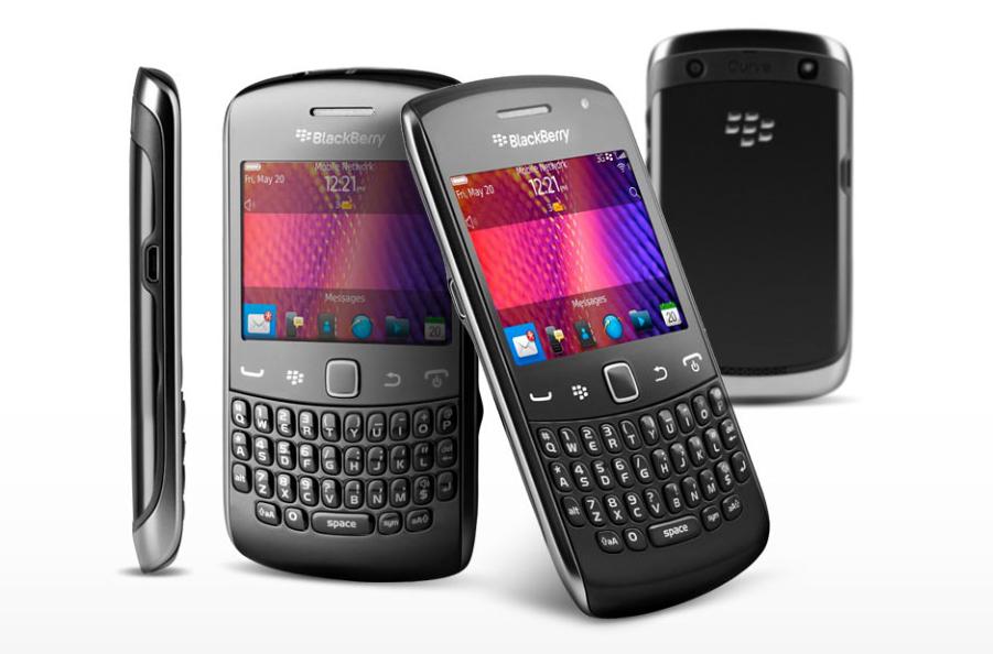 BlackBerry 9720 é um smartphone com o sistema BB OS 7.1 e tela sensível ao toque (Foto: Divulgação)
