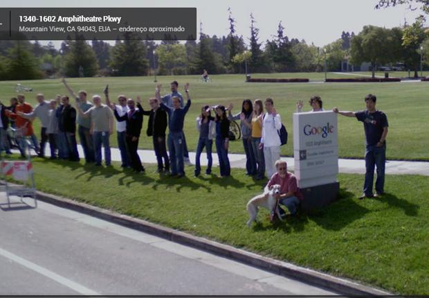 Funcionários aparecem felizes na sede do Google em easter egg do Street View (Foto: Reprodução)