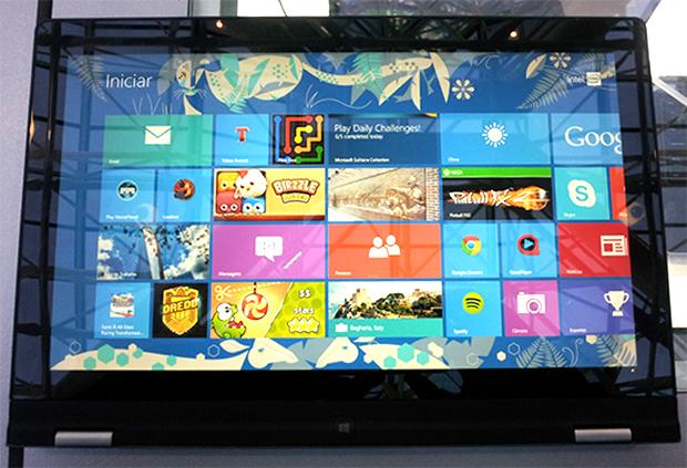 IdeaPad Yoga 13 da Lenovo vira tablet de 13,3 polegadas (Foto: Reprodução/Paulo Alves)