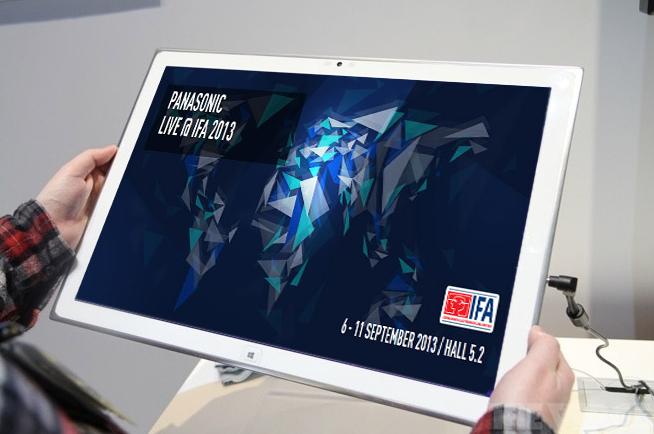Tablet gigante de 20 polegadas com tela OLED 4K da Panasonic (Foto: Reprodução/The Verge)