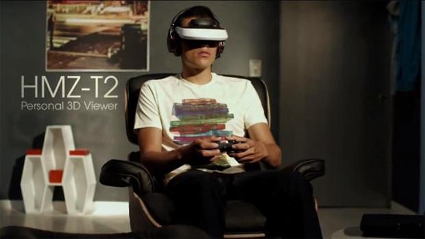 Visor HMZ-T2 da Sony já flertava com a ideia de realidade virtual (Foto: ComputerandVideoGames)