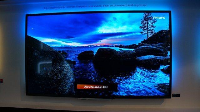 Philips 4K com Ambilight é exibida na IFA 2013 (Foto: Reprodução/ZTOP)