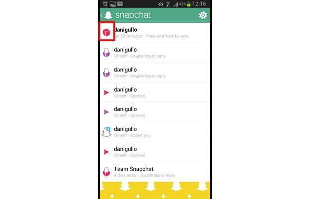 Ambos apps só baixaram as imagens que não forem visualizadas pelo Snapchat, sendo indicas no mensageiro pelo símbolo de um pacote vermelho fechado (Foto: Reprodução/Daniel Ribeiro)